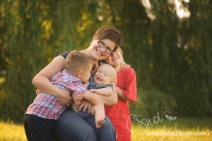 Mommy and Me portrait by Harford County photographer Jen Snyder https://jensnyderphoto.com