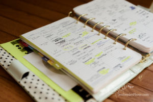 How to use a day planner, organization tips with Jen snyder https://jensnyderphoto.com